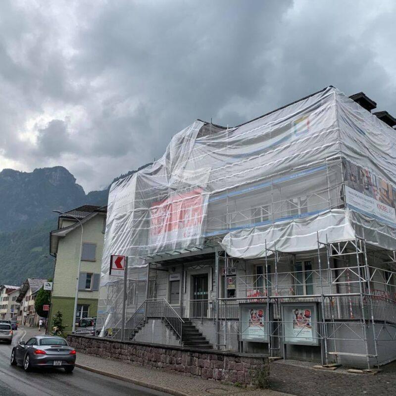 Glarner Kantonalbank - Gerüst - Isufi